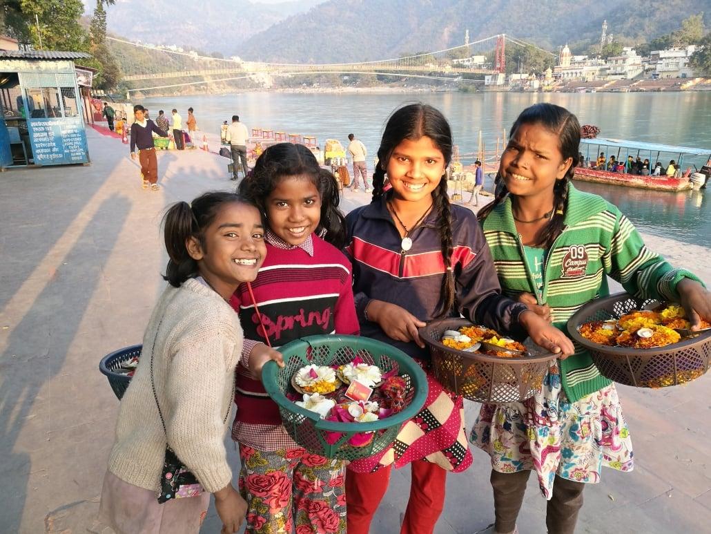 Spirituel rejse - Rishikesh piger - Clairvoyant - Peer Mathiesen